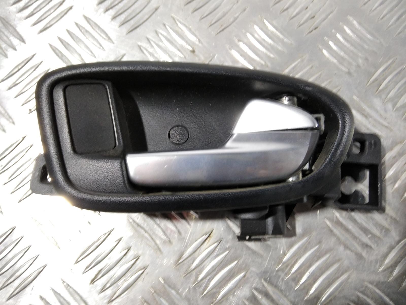 Ручка внутренняя задняя правая Ford Mondeo 1.8 2009 (б/у)