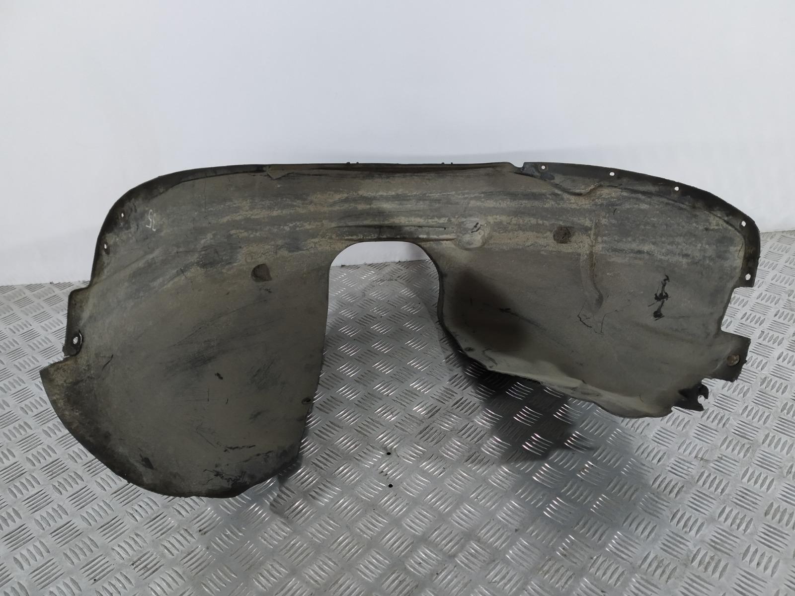 Защита арок передняя правая (подкрылок) Volvo V50 2.0 TD 2005 (б/у)