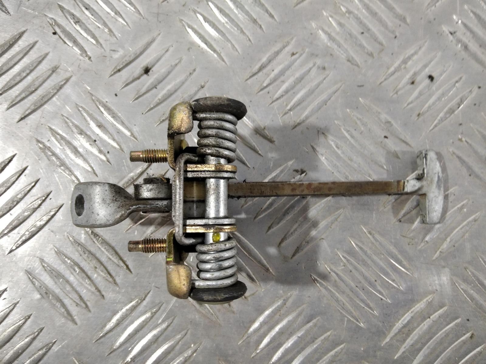Ограничитель открывания двери Peugeot 307 2.0 HDI 2006 (б/у)