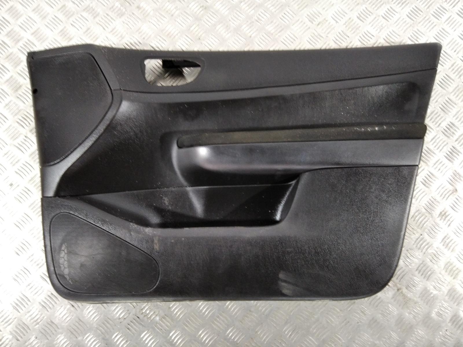 Обшивка двери передней правой (дверная карта) Peugeot 307 1.4 I 2005 (б/у)