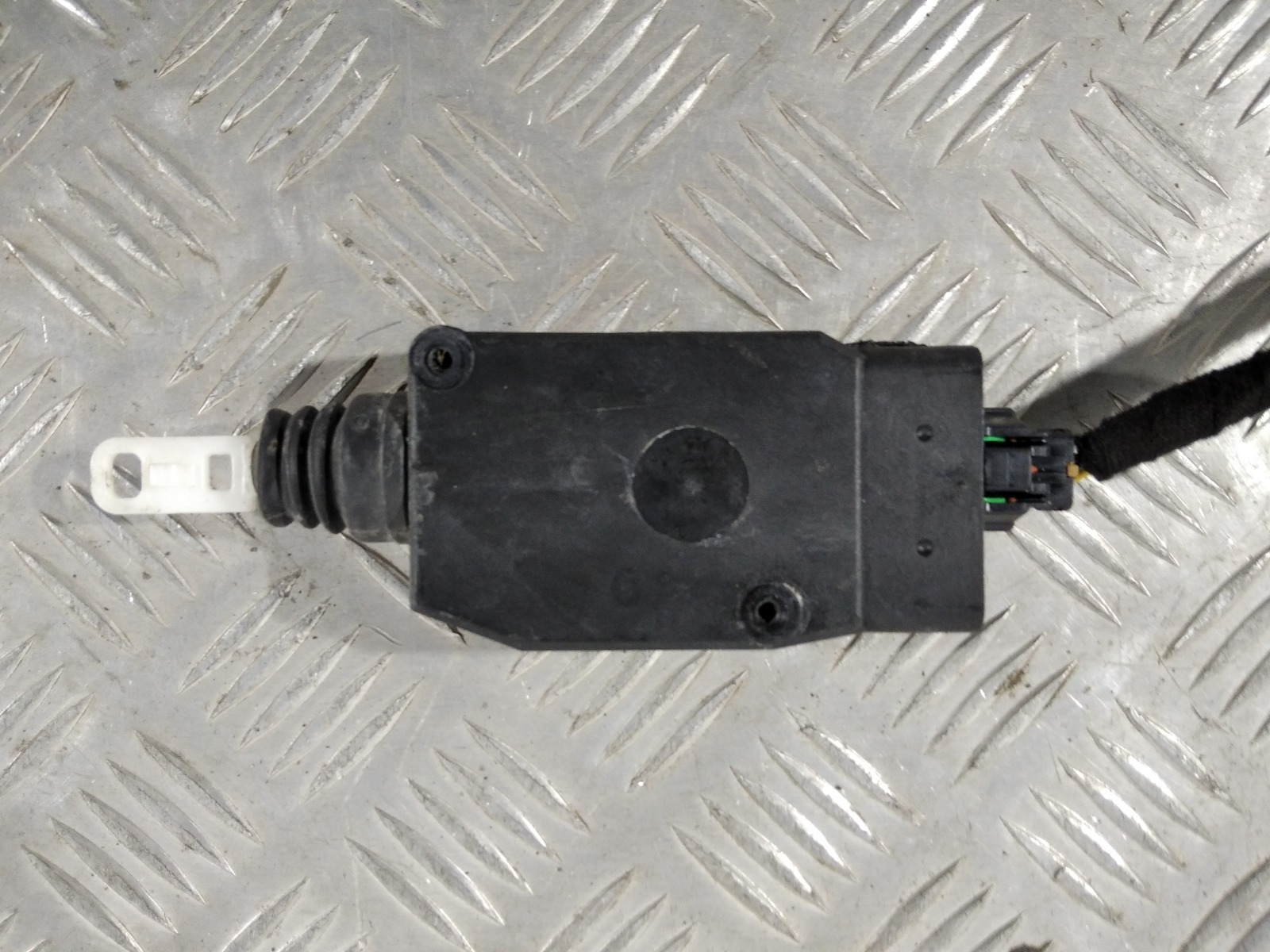 Активатор (привод) замка двери Volvo V40 1.8 I 2004 (б/у)