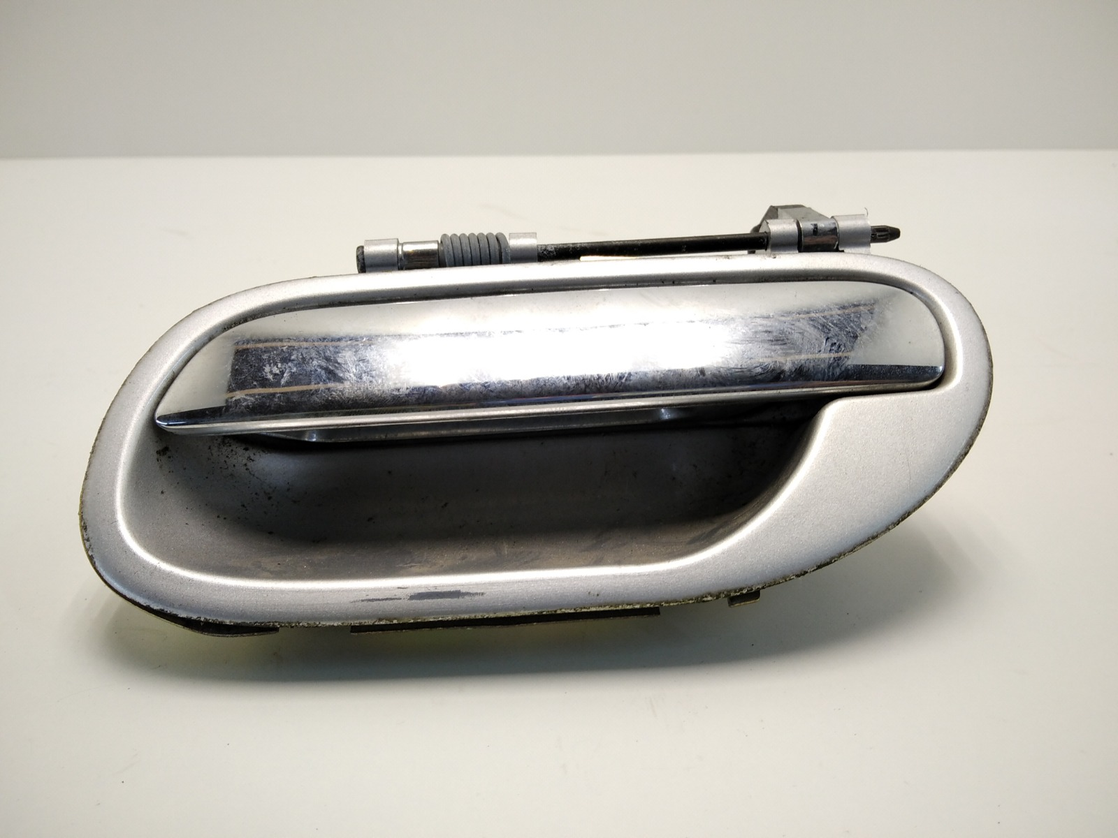 Ручка наружная задняя левая Volvo V40 1.8 I 2004 (б/у)