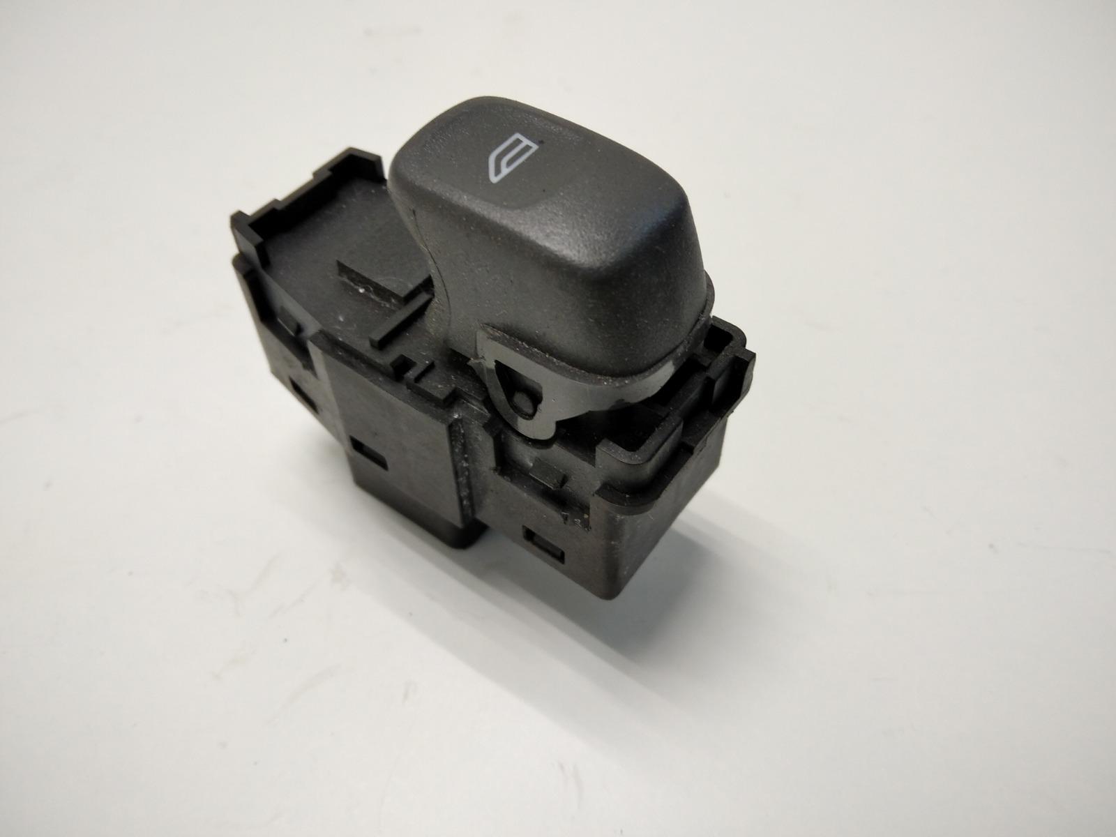 Кнопка стеклоподъемника Volvo V40 1.8 I 2004 (б/у)