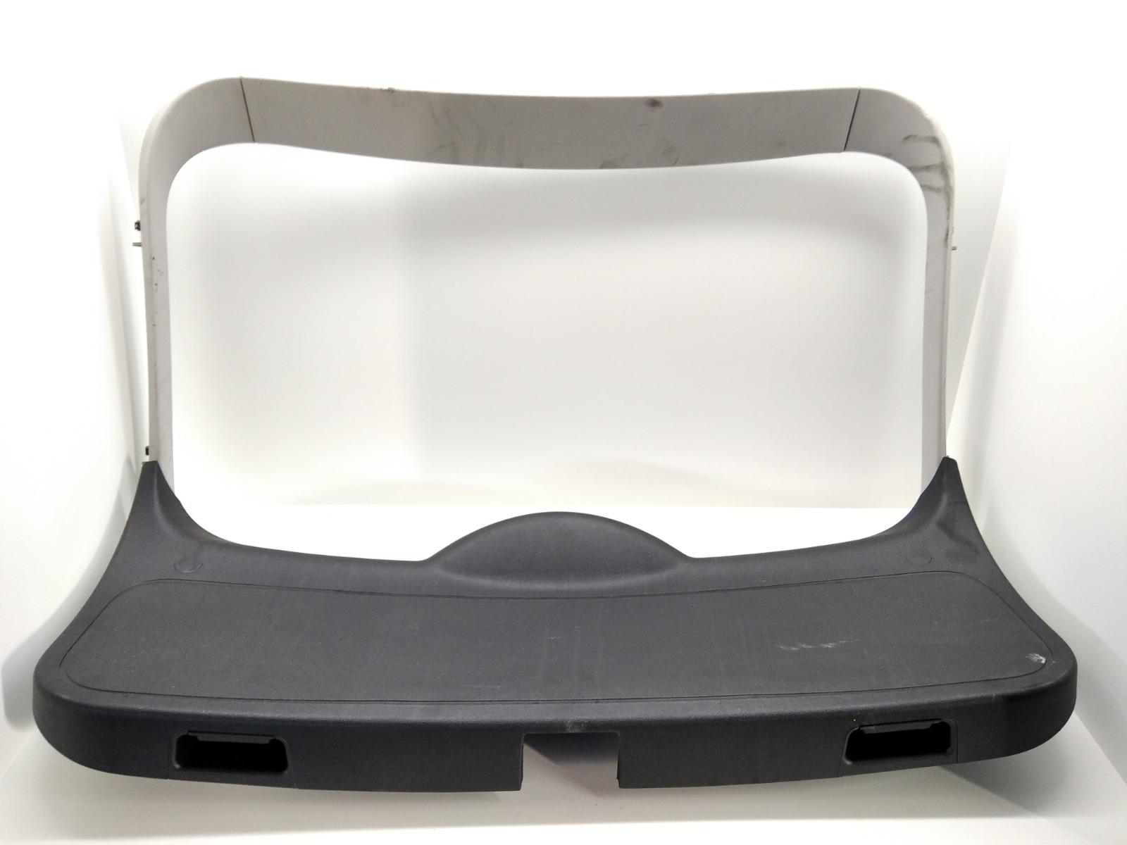 Обшивка крышки багажника Ford Focus 1.6 TDCI 2009 (б/у)