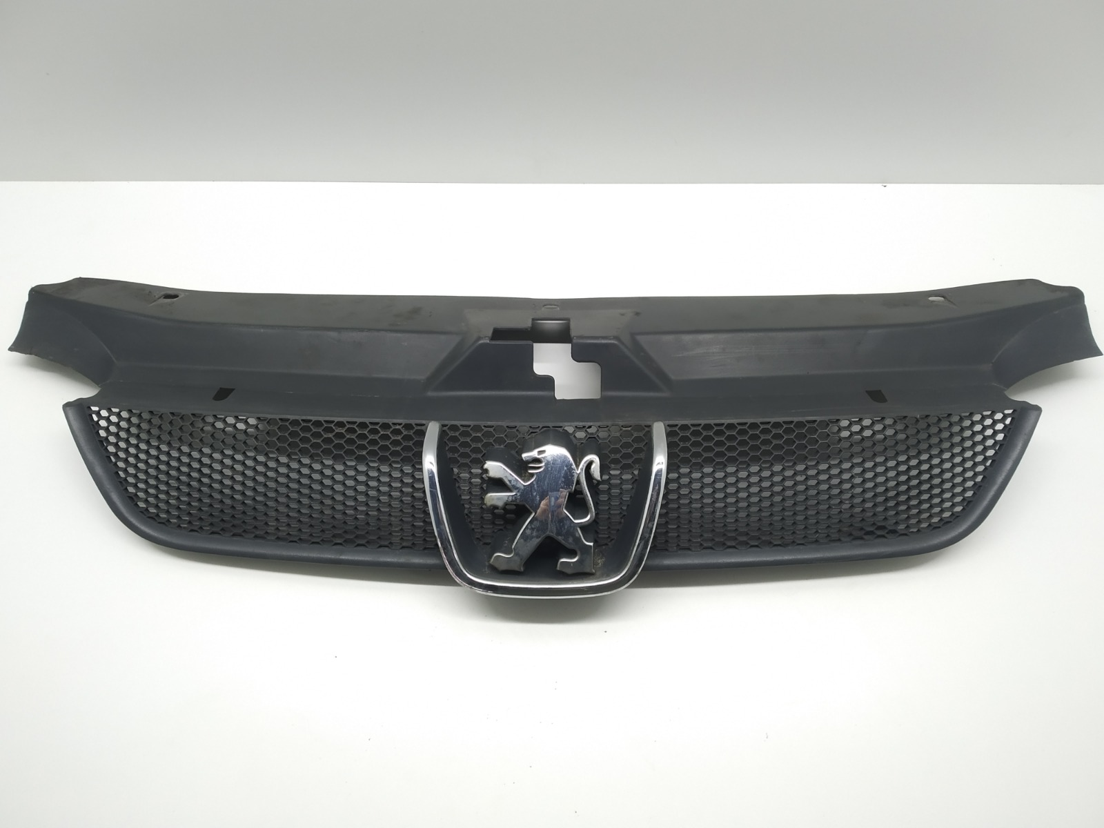 Решетка радиатора Peugeot 406 2.0 HDI 1999 (б/у)