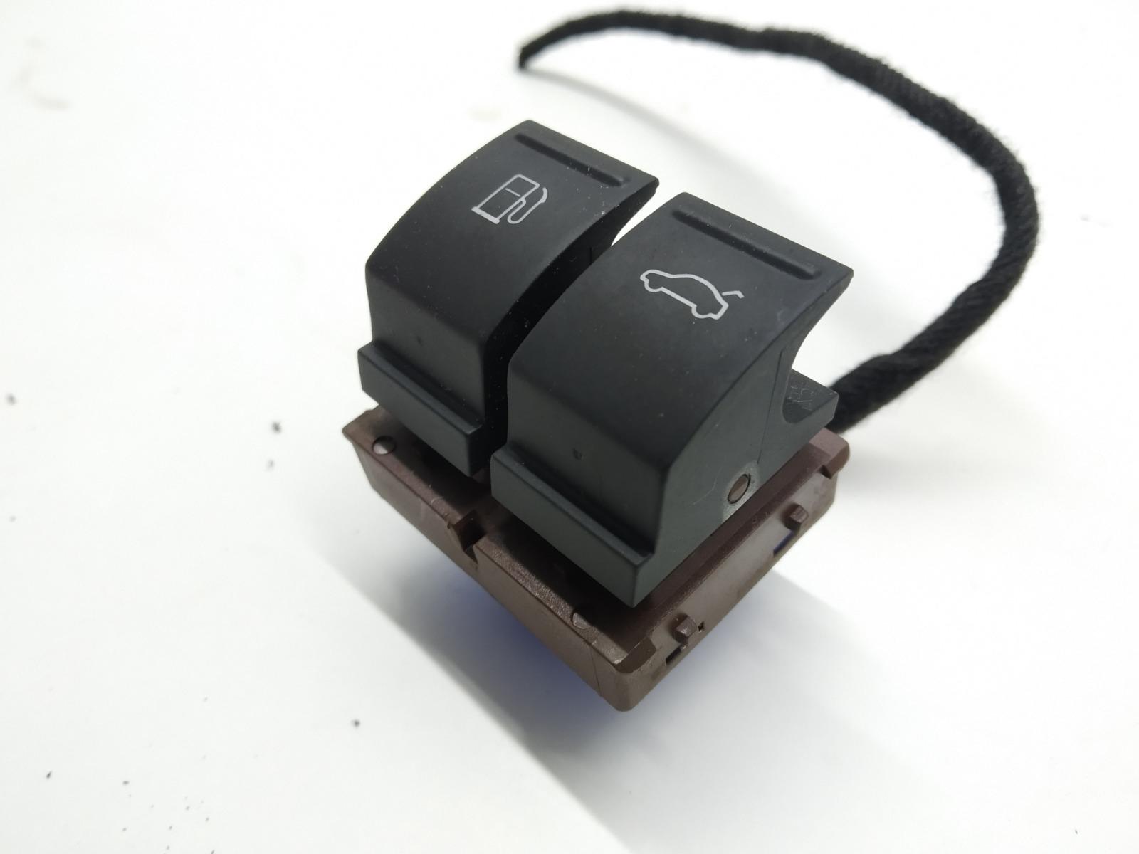 Кнопка открытия лючка топливного бака Volkswagen Passat B6 2.0 TDI 2008 (б/у)