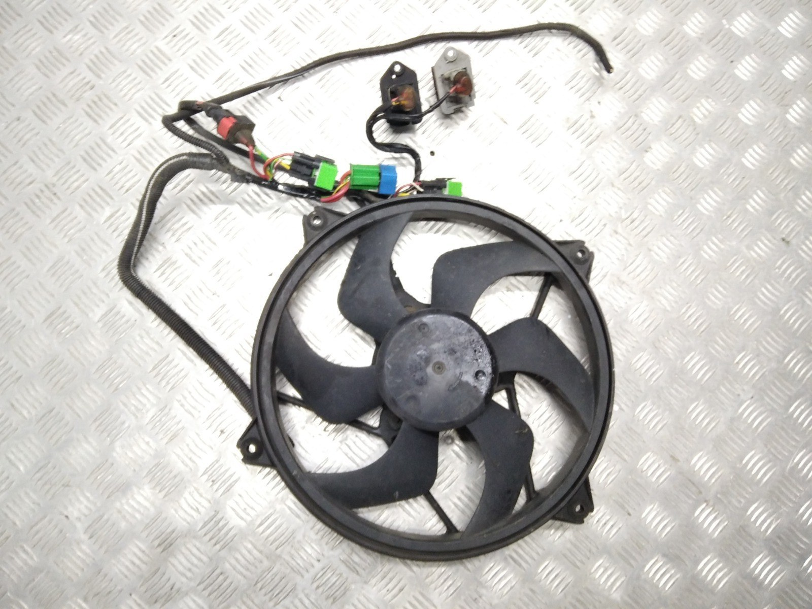 Вентилятор радиатора Peugeot 406 2.0 HDI 1999 (б/у)