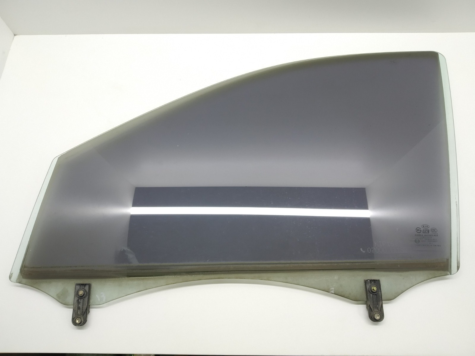 Стекло двери передней левой Kia Sorento 2.5 CRDI 2004 (б/у)