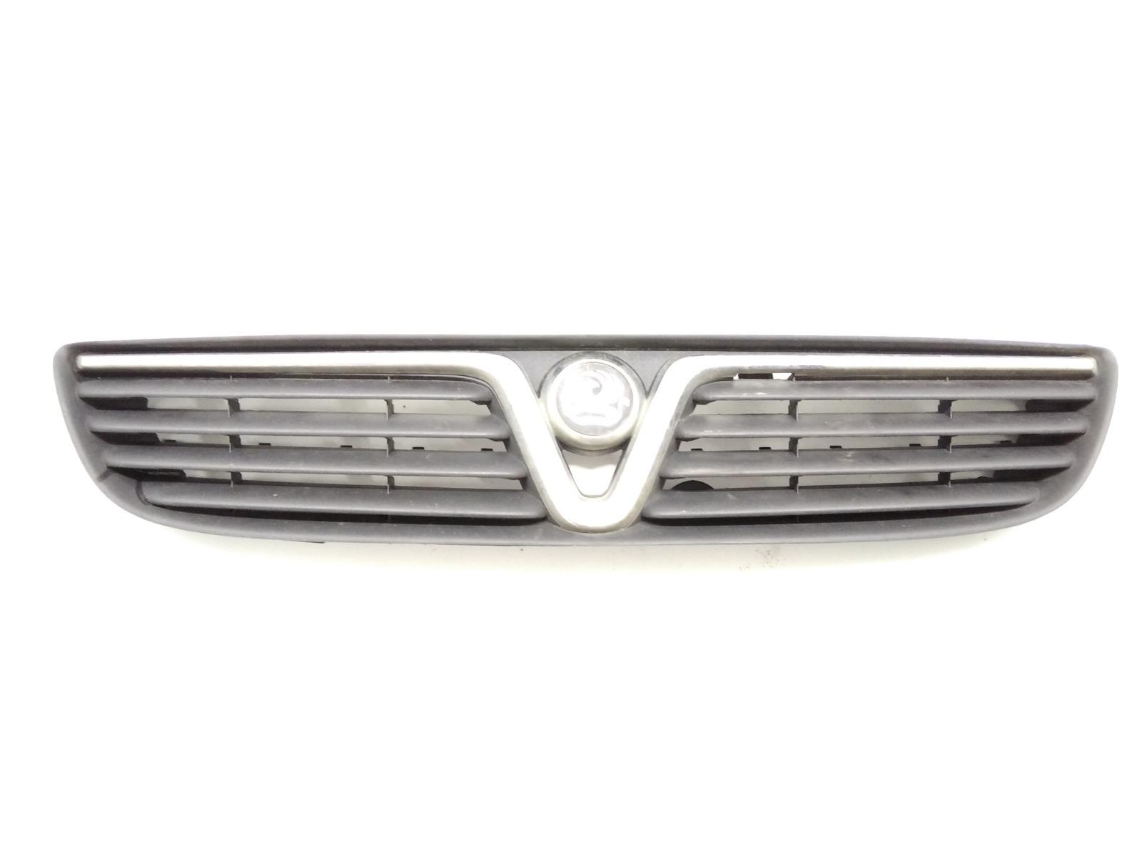 Решетка радиатора Opel Zafira A 2.0 DTI 2002 (б/у)