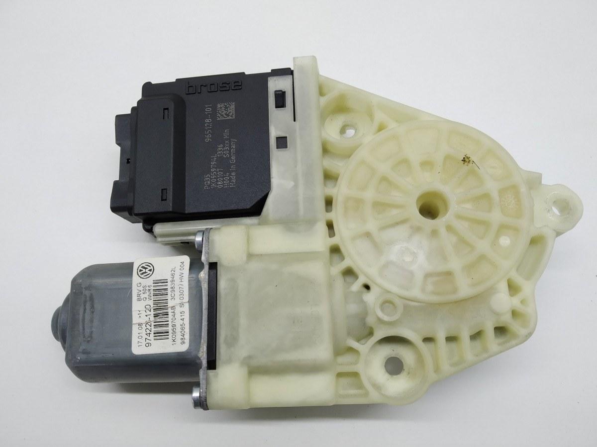 Моторчик стеклоподъемника задний правый Volkswagen Passat B6 2.0 TDI 2008 (б/у)