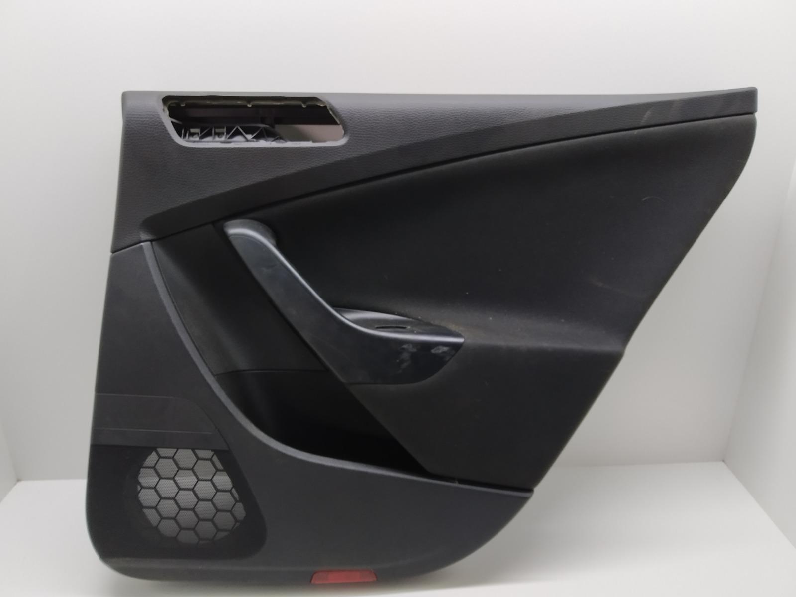 Обшивка двери задней правой (дверная карта) Volkswagen Passat B6 2.0 TDI 2008 (б/у)