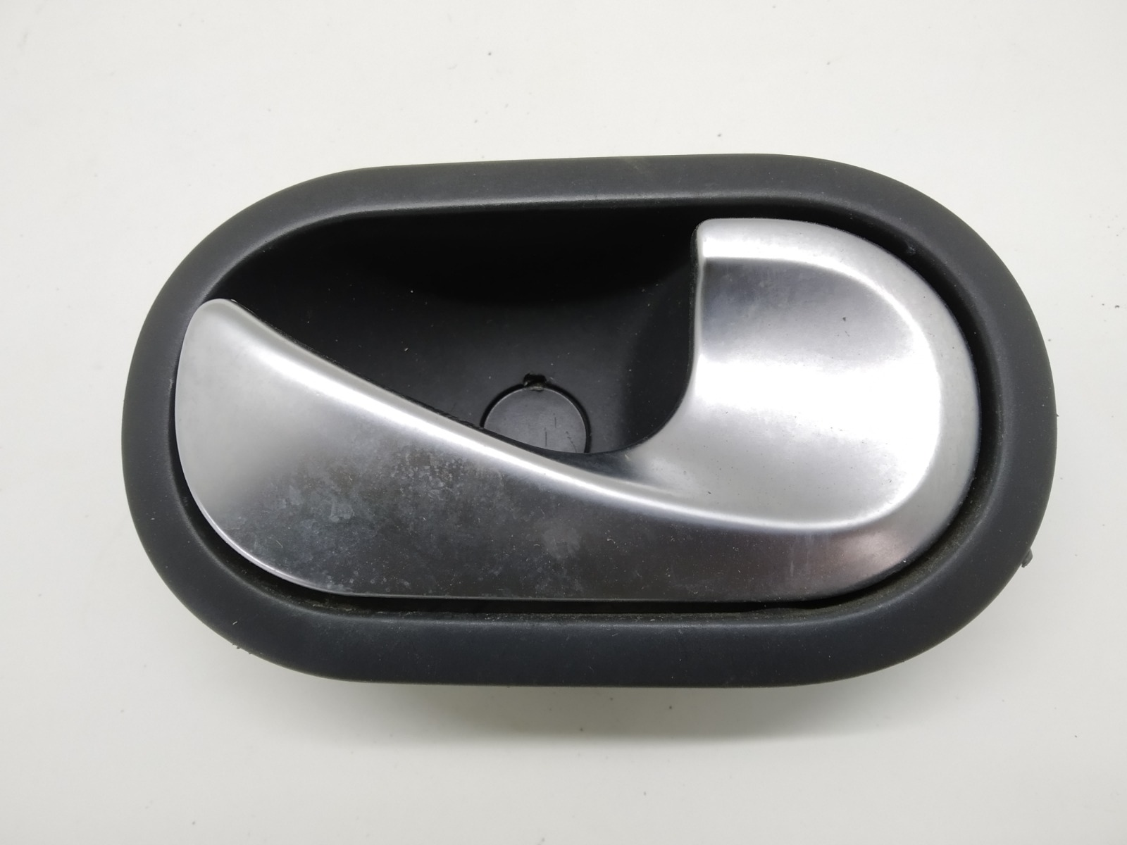 Ручка внутренняя передняя правая Renault Scenic 1.6 I 2006 (б/у)