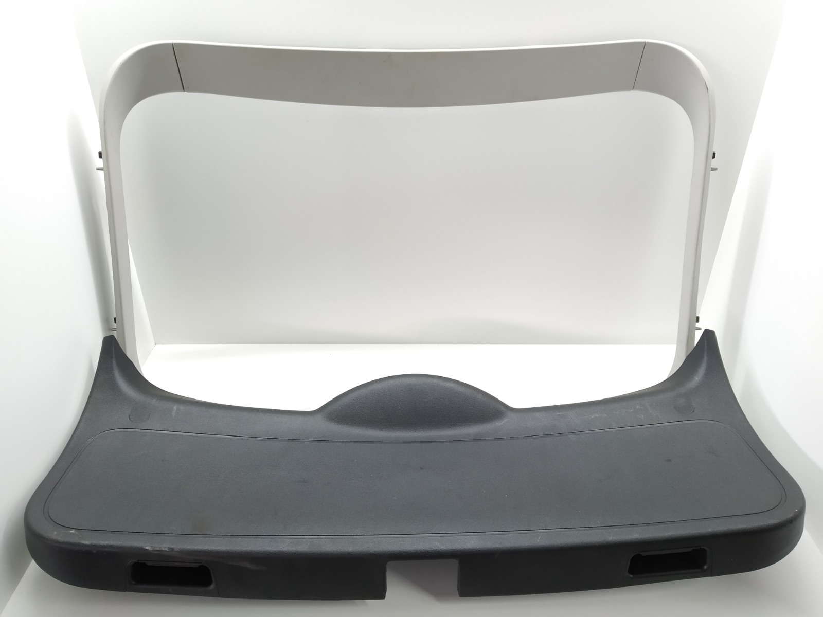 Обшивка крышки багажника Ford Focus 1.6 TDCI 2008 (б/у)