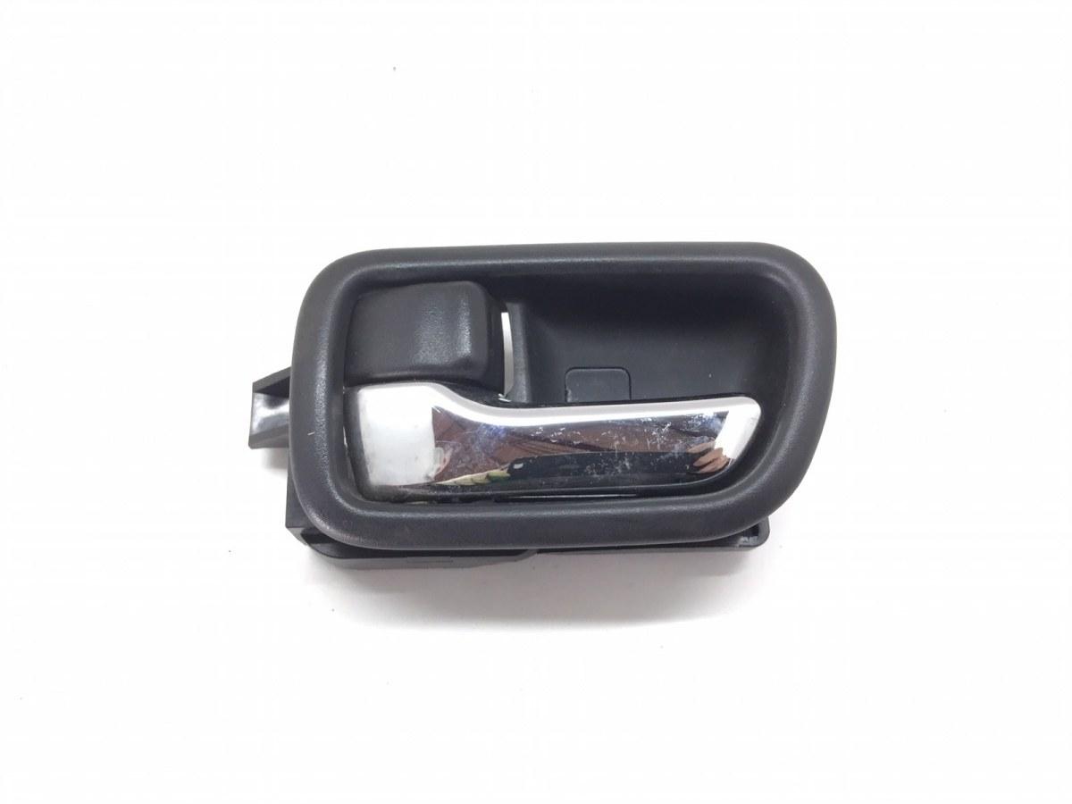 Ручка внутренняя передняя левая Toyota Avensis 1.8 I 2001 (б/у)