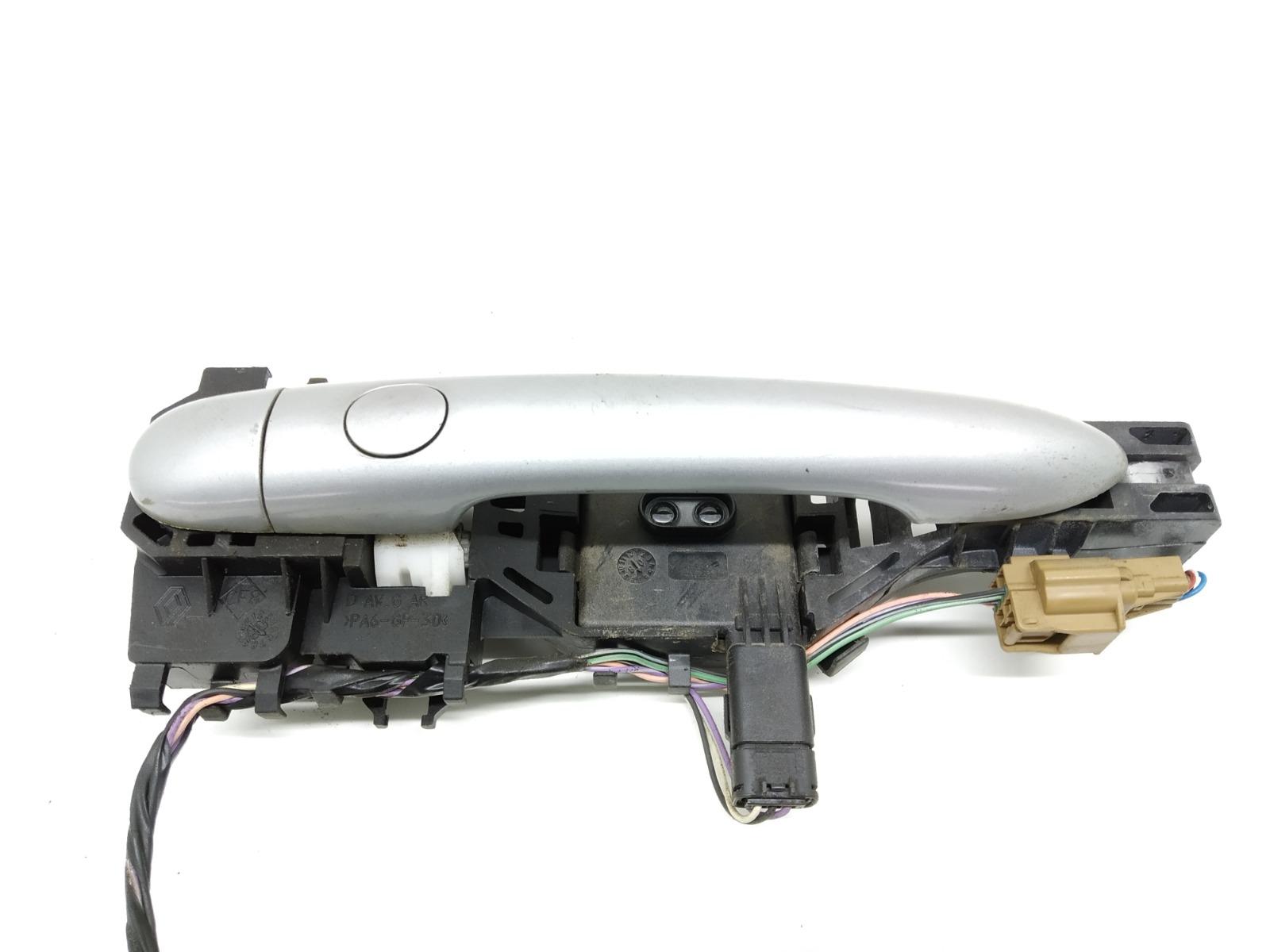 Ручка наружная передняя правая Renault Megane 2.0 DCI 2008 (б/у)
