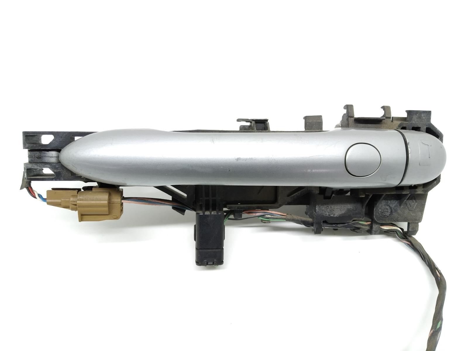 Ручка наружная передняя левая Renault Megane 2.0 DCI 2008 (б/у)