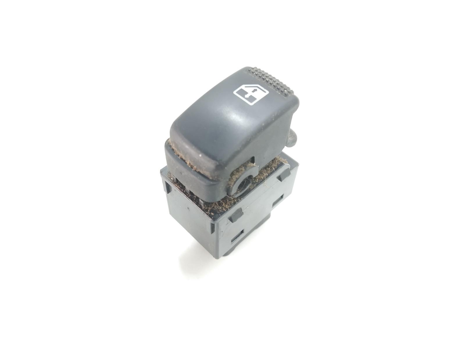 Кнопка стеклоподъемника Hyundai Tucson 2.0 CRDI 2005 (б/у)