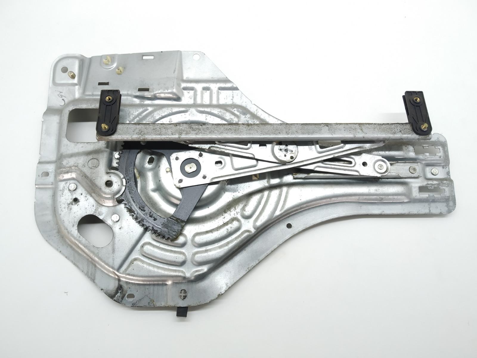 Стеклоподъемник электрический задний левый Hyundai Tucson 2.0 CRDI 2005 (б/у)