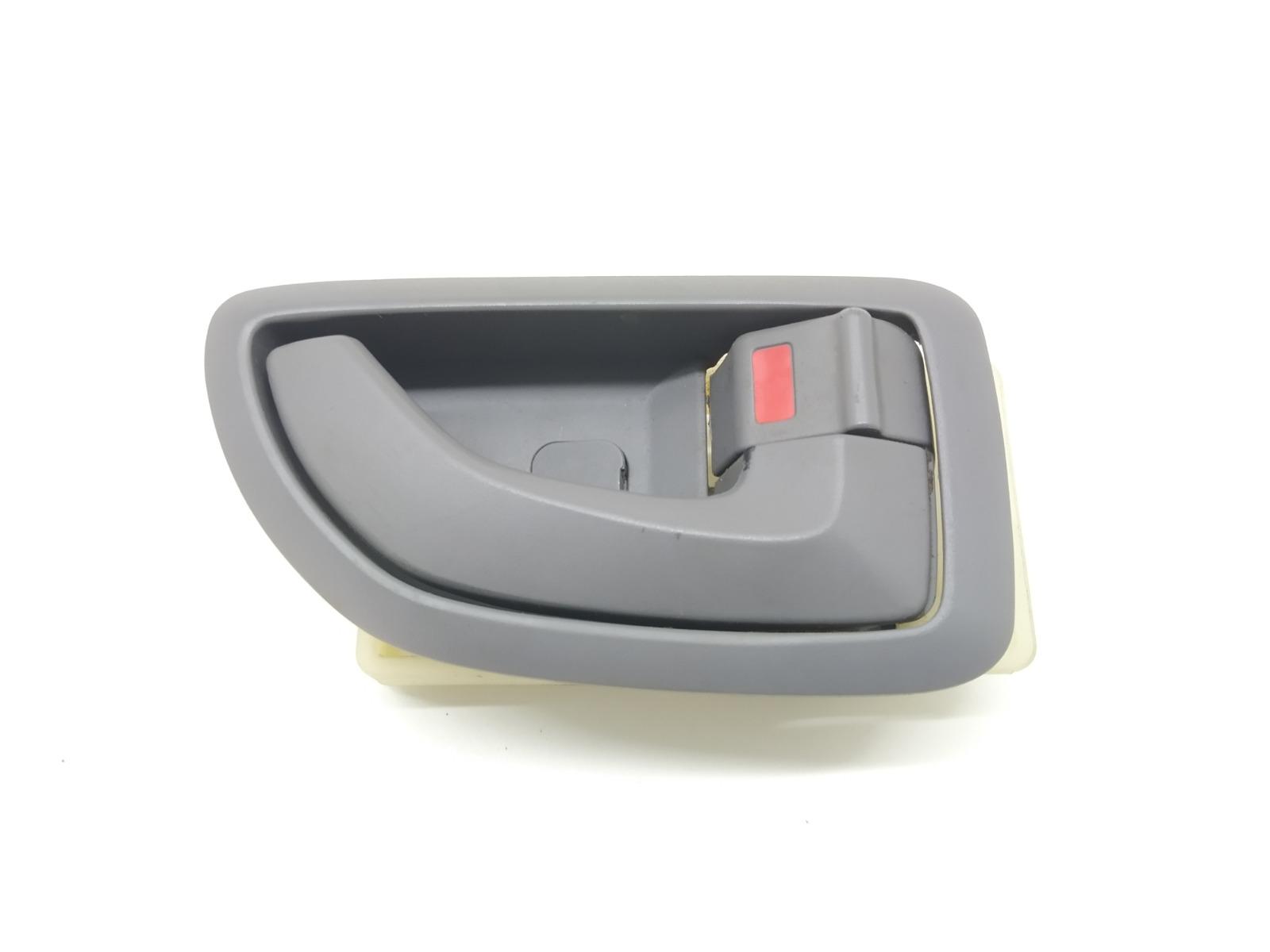 Ручка внутренняя задняя правая Hyundai Tucson 2.0 CRDI 2005 (б/у)