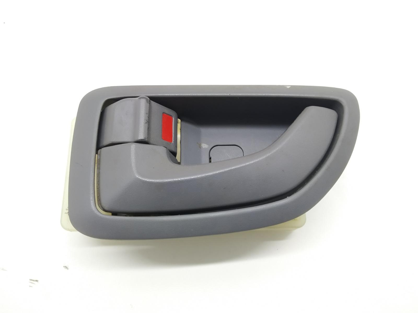 Ручка внутренняя передняя левая Hyundai Tucson 2.0 CRDI 2005 (б/у)