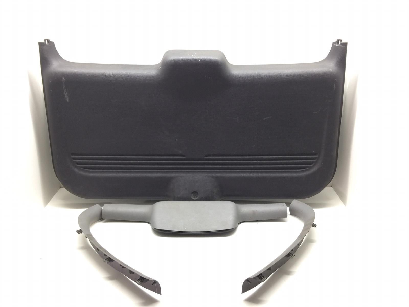 Обшивка крышки багажника Chrysler Pt-Cruiser 2.0 I 2003 (б/у)