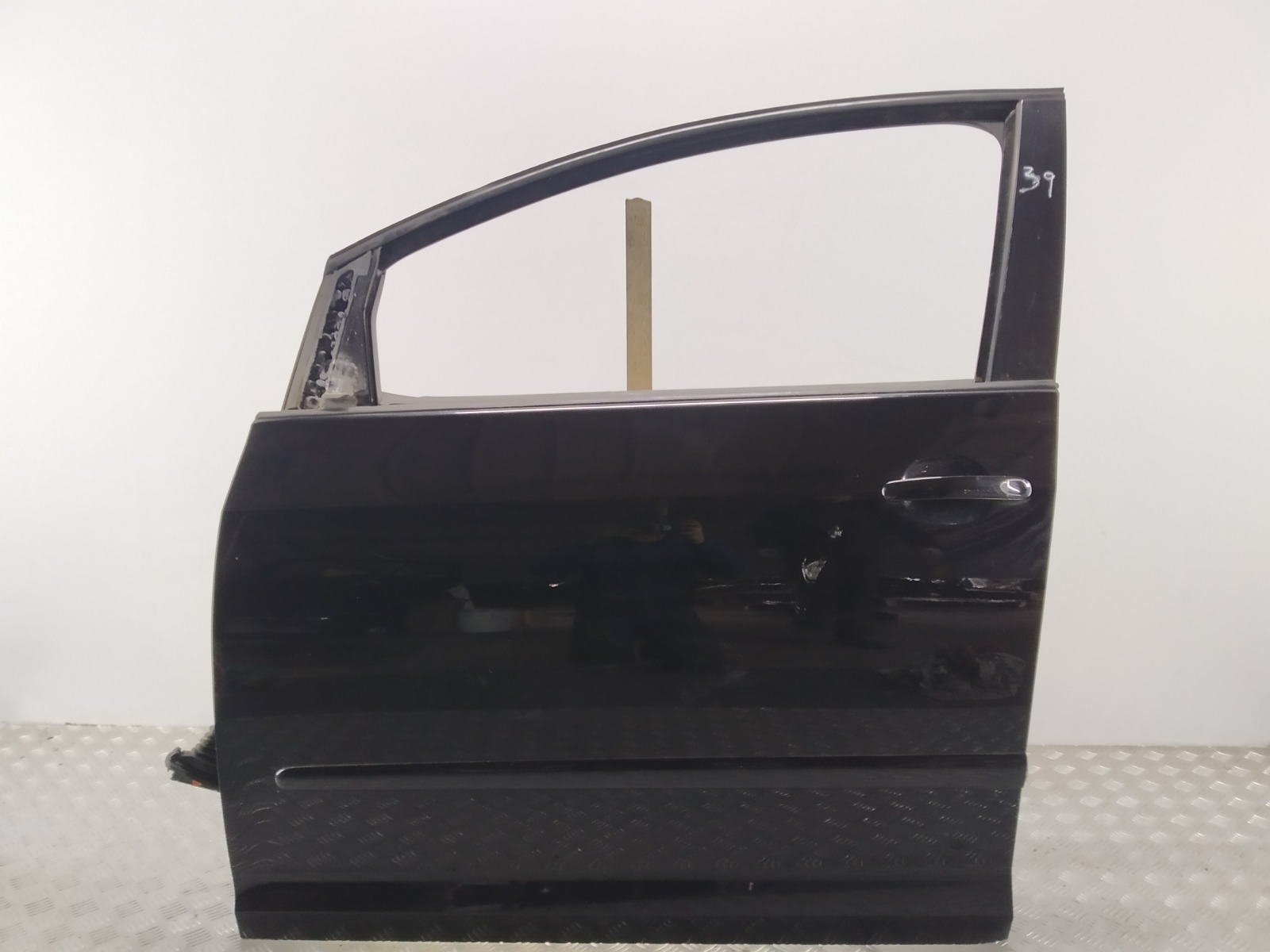 Дверь передняя левая Volkswagen Golf Plus 1.9 TDI 2007 (б/у)