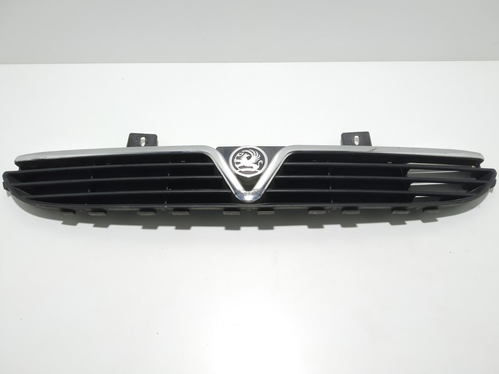 Решетка радиатора Opel Corsa B 1.2 I 1999 (б/у)