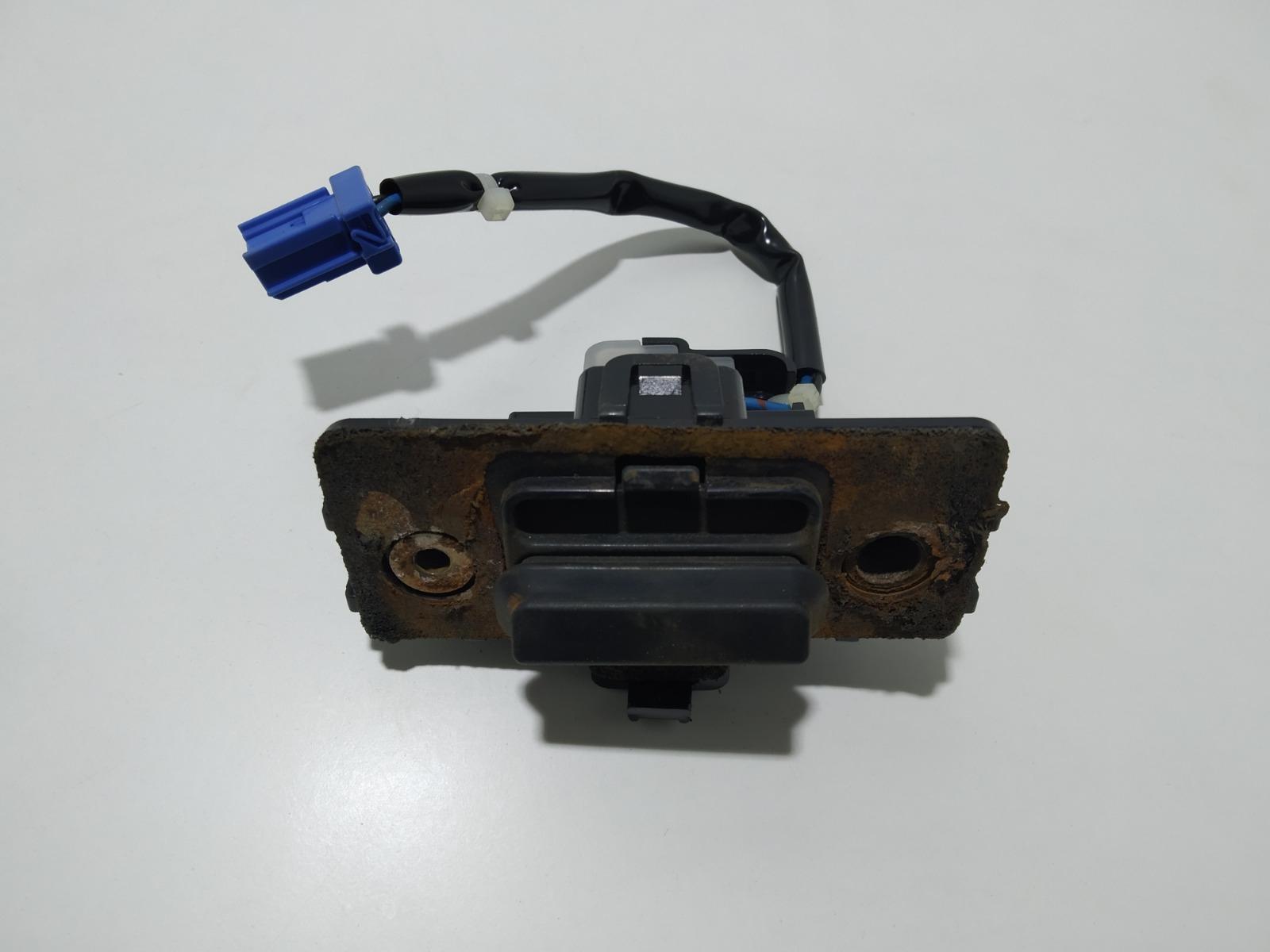 Кнопка открытия багажника Honda Accord 2.4 I 2003 (б/у)
