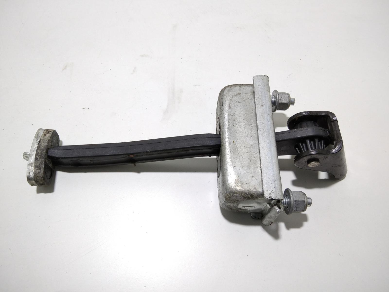 Ограничитель открывания двери Ford C-Max 1.8 TDCI 2008 (б/у)