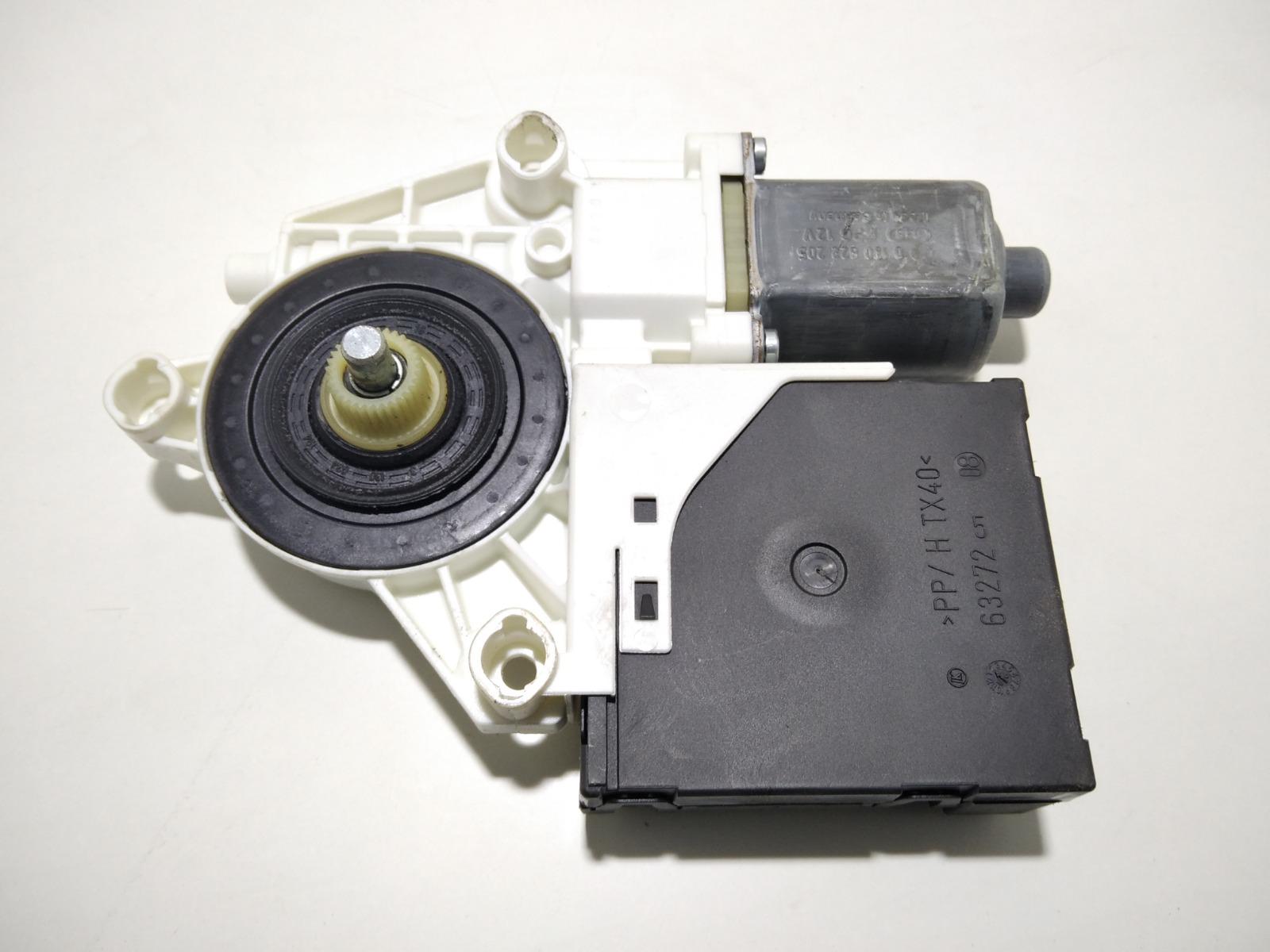 Моторчик стеклоподъемника передний правый Audi A3 8P 1.6 I 2006 (б/у)