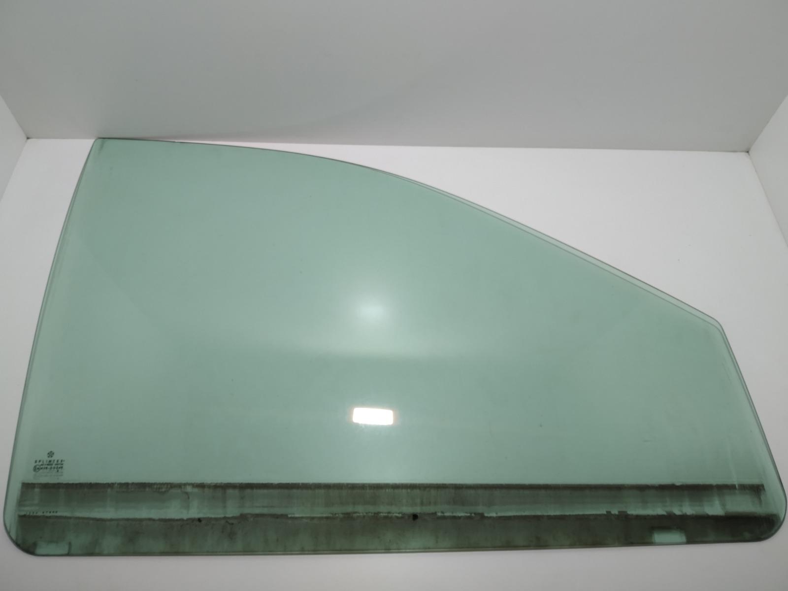 Стекло двери передней правой Chrysler Voyager 2.8 CRDI 2006 (б/у)