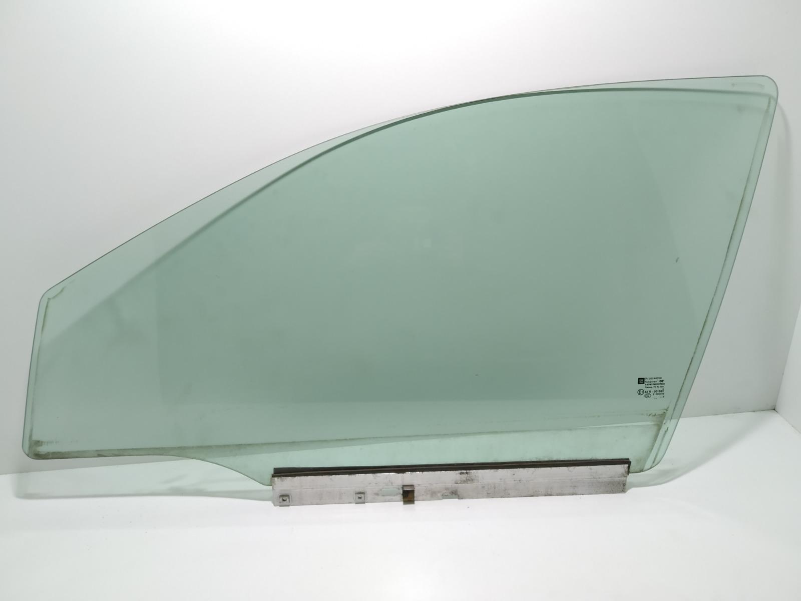 Стекло двери передней левой Opel Astra H 1.9 CDTI 2008 (б/у)