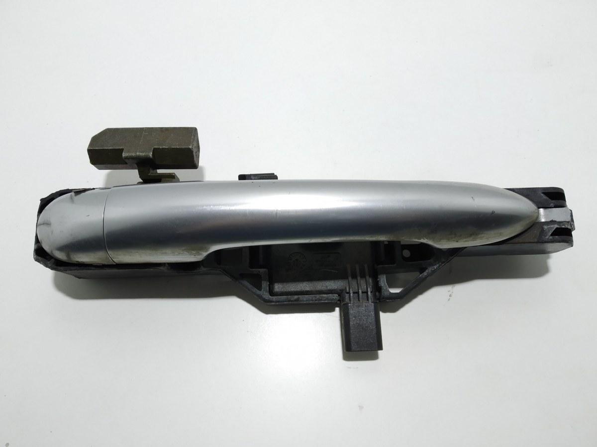 Ручка наружная передняя правая Renault Laguna 2.0 I 2007 (б/у)