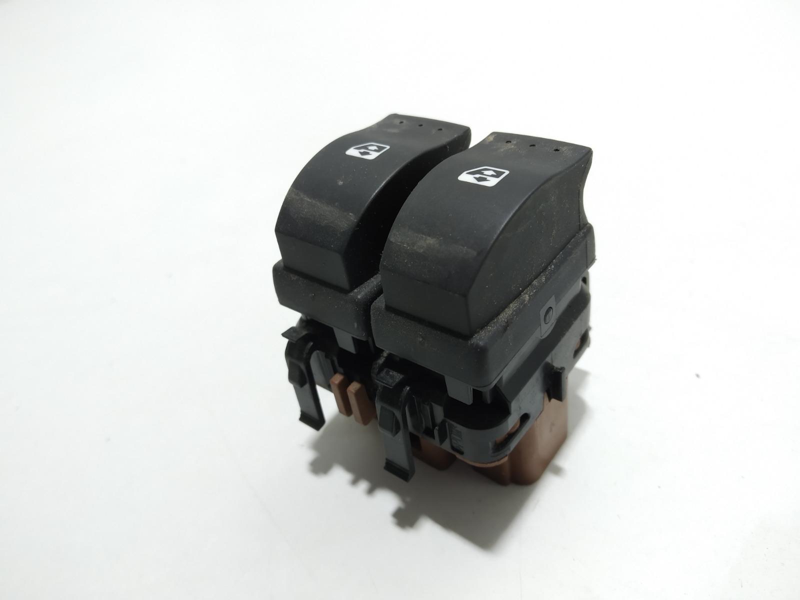 Кнопка стеклоподъемника Renault Laguna 2.0 I 2007 (б/у)