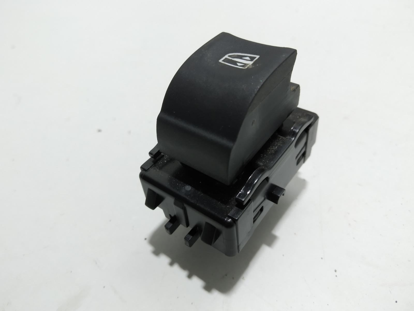 Кнопка стеклоподъемника Renault Megane 1.5 DCI 2009 (б/у)