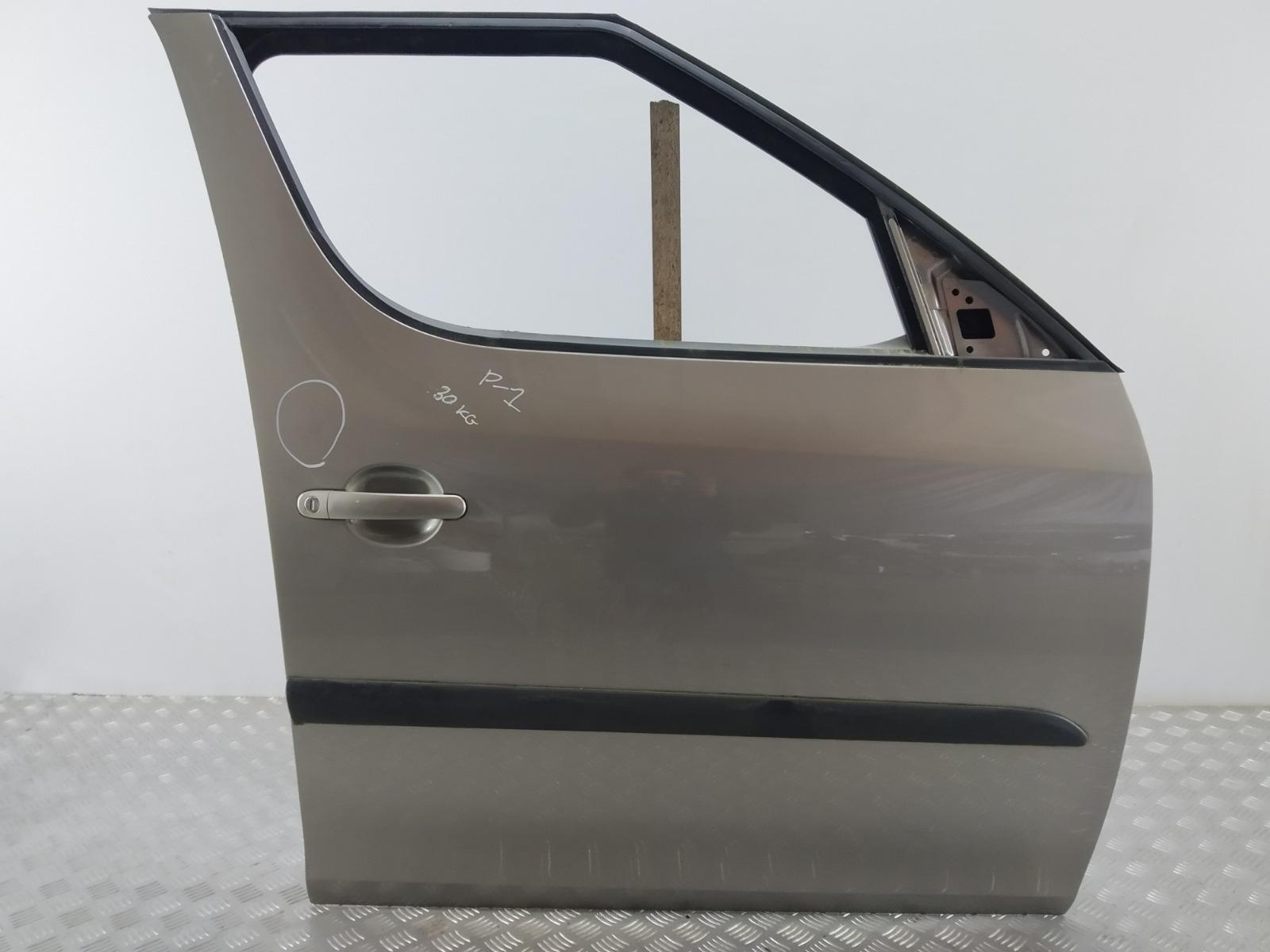 Дверь передняя правая Skoda Roomster 5J 1.4 TDI 2008 (б/у)