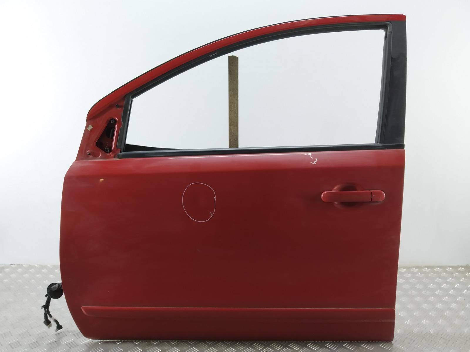 Дверь передняя левая Nissan Note E11 1.4 I 2006 (б/у)