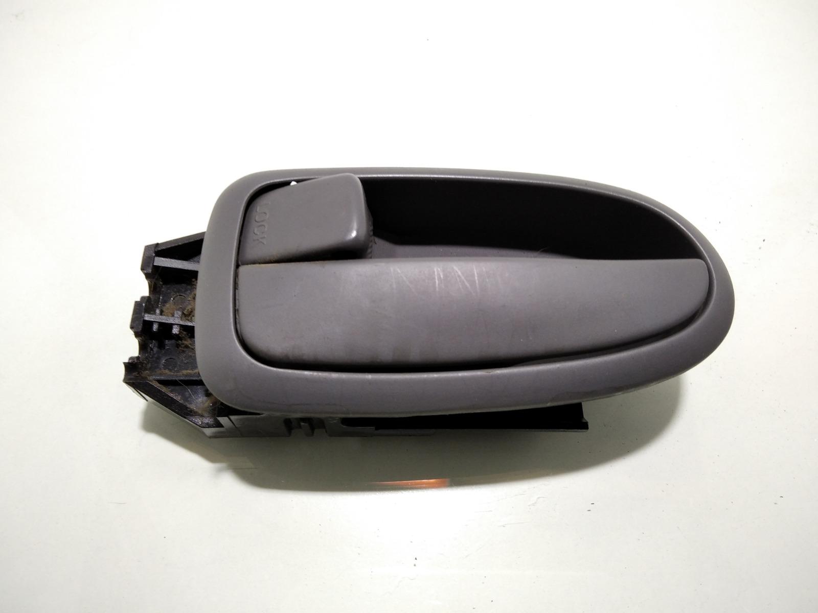 Ручка внутренняя задняя левая Hyundai Elantra XD 2.0 CRDI 2004 (б/у)
