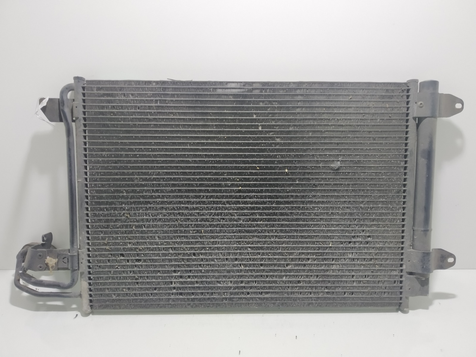 Радиатор кондиционера Audi A3 8P 1.6 I 2004 (б/у)
