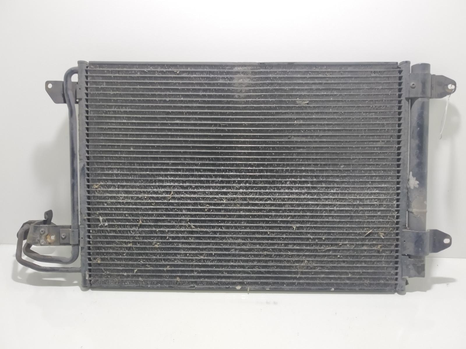 Радиатор кондиционера Volkswagen Golf 5 1.6 FSI 2006 (б/у)