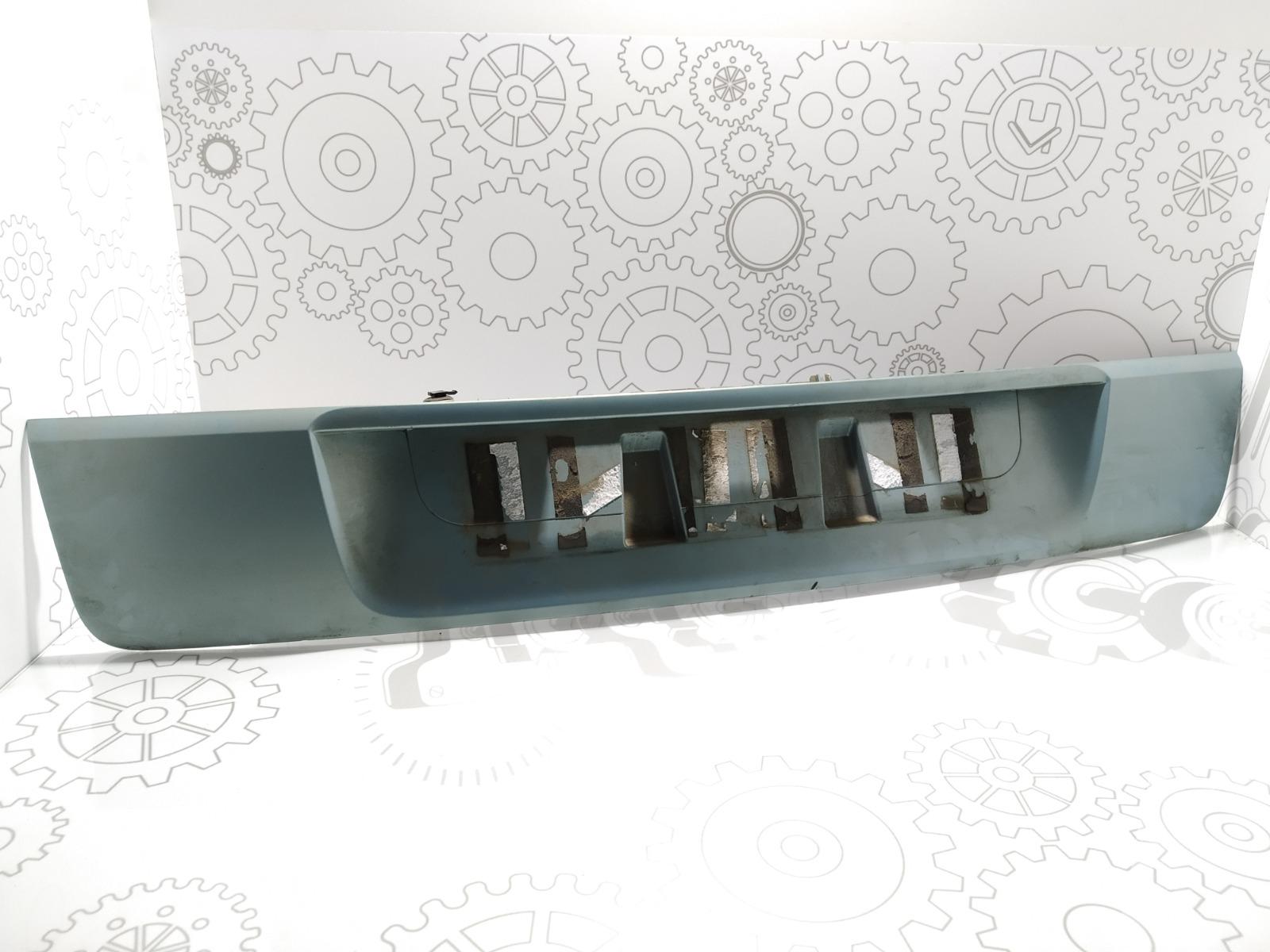 Накладка подсветки номера Renault Scenic 2.0 I 2007 (б/у)