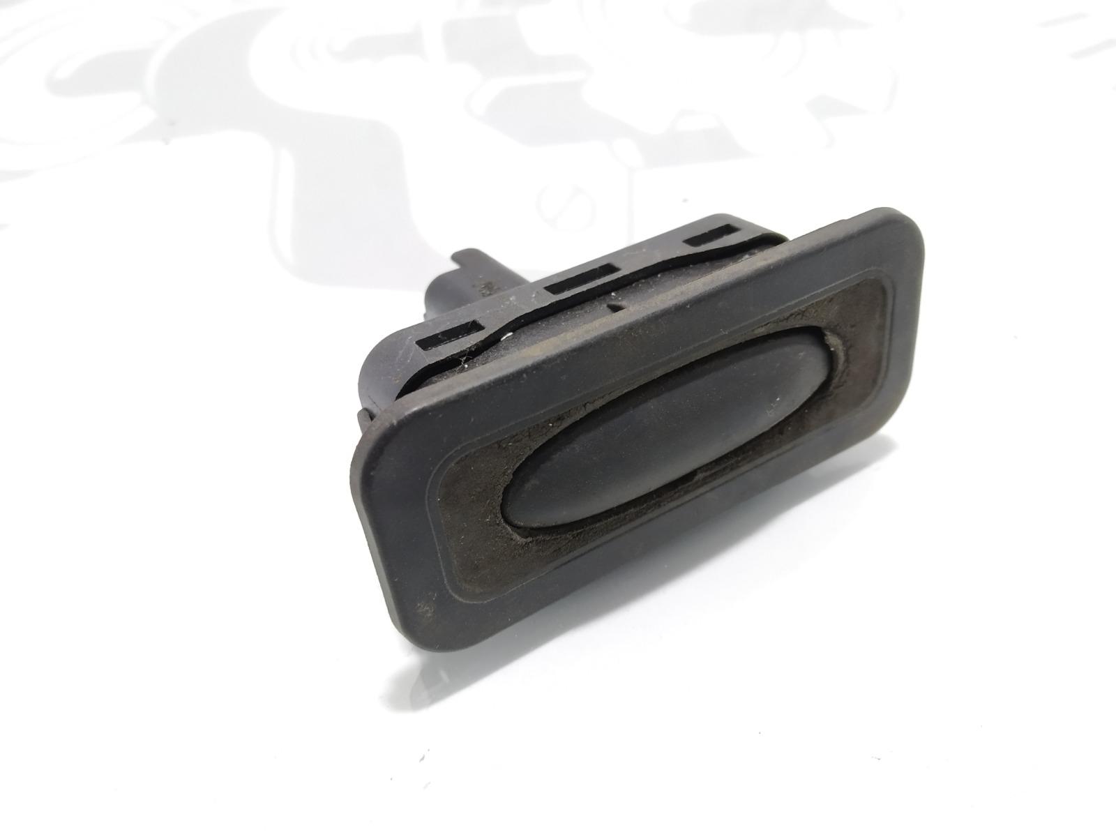 Кнопка открытия багажника Renault Scenic 2.0 I 2005 (б/у)