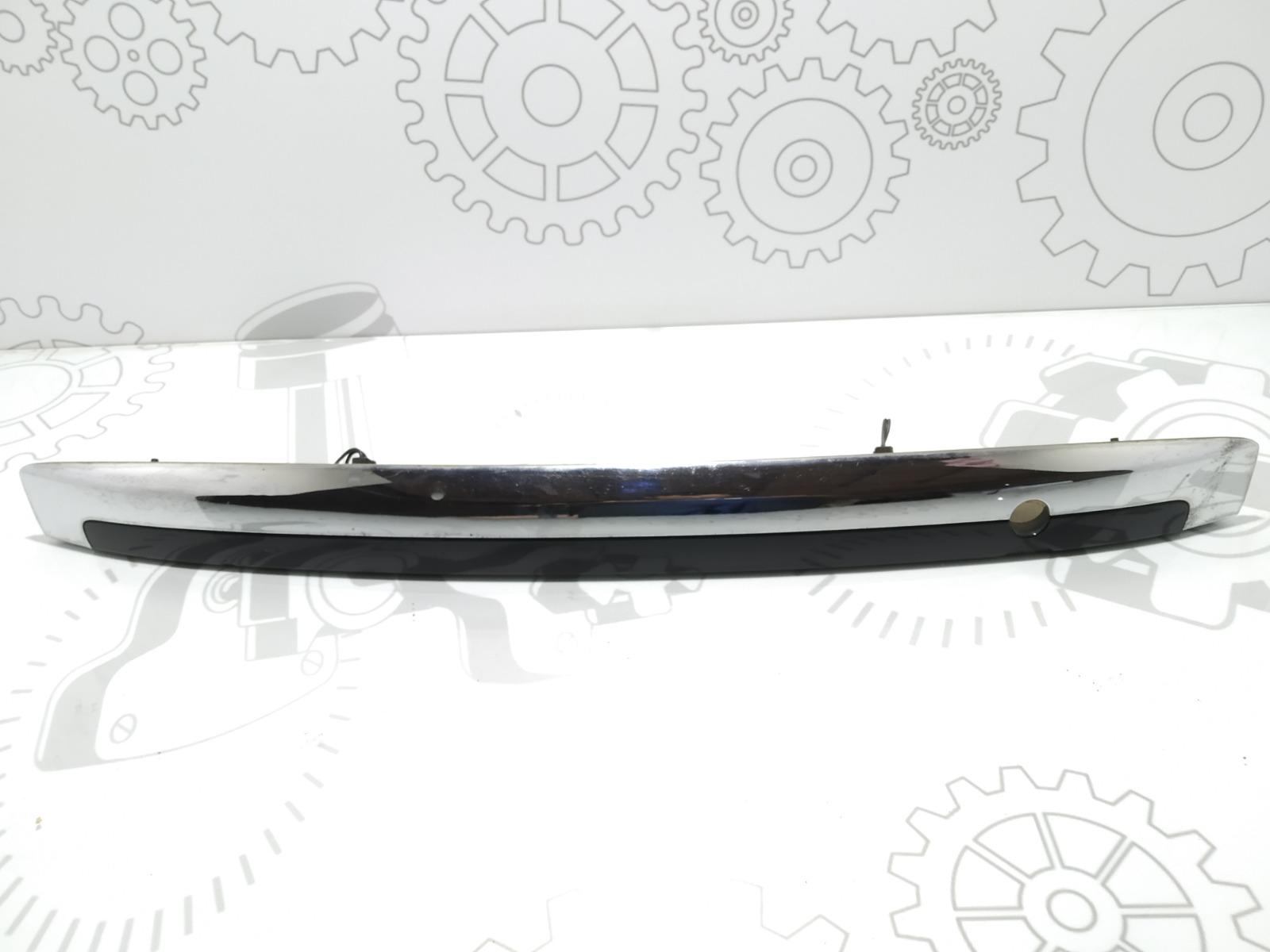Накладка подсветки номера Kia Sorento 2.5 CRDI 2007 (б/у)