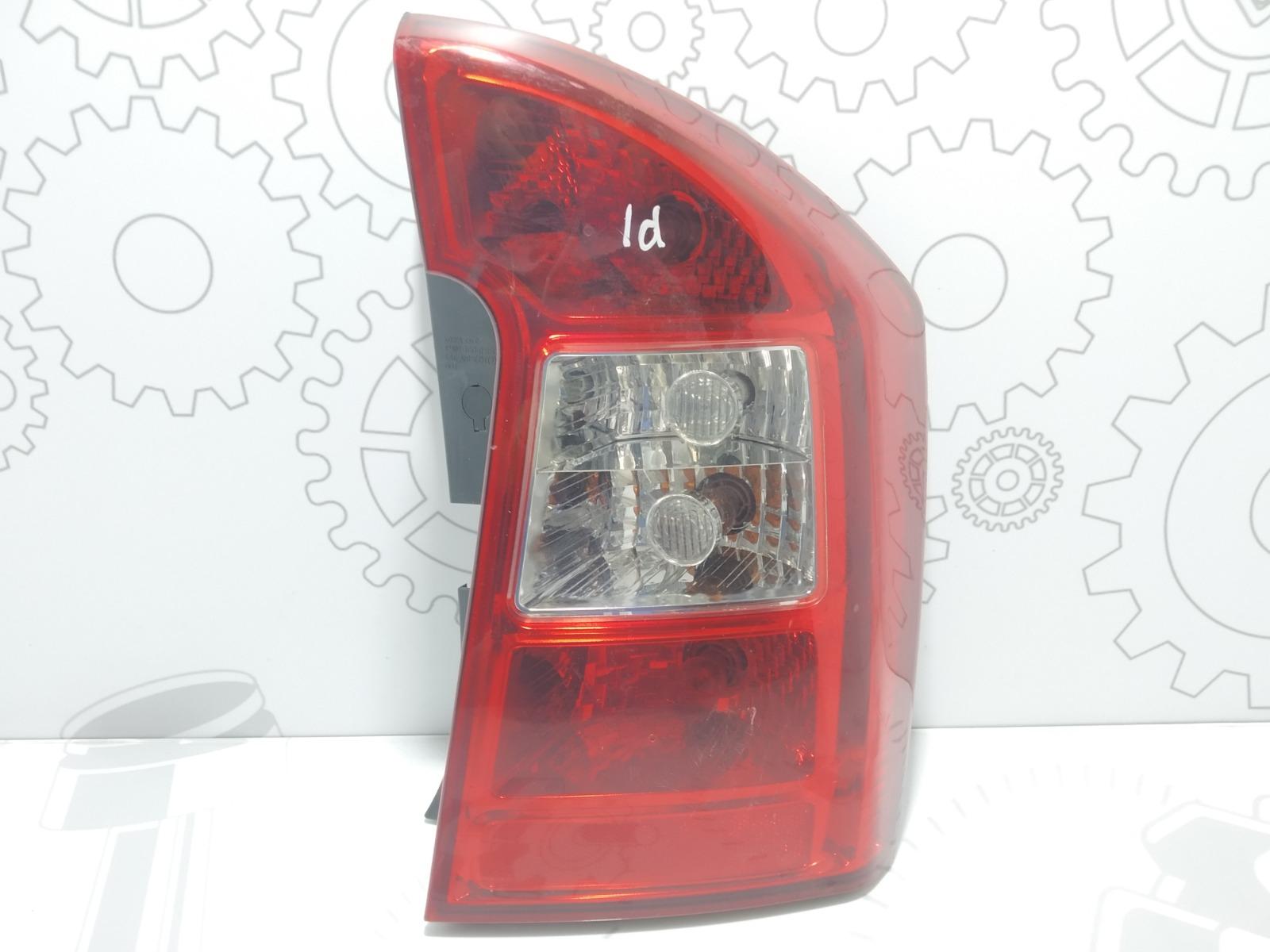 Фонарь задний правый Kia Carens 2.0 CRDI 2006 (б/у)