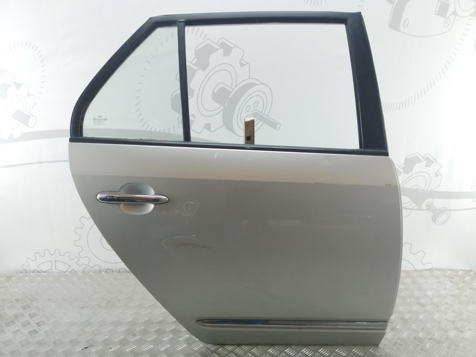 Дверь задняя правая Kia Carens 2.0 CRDI 2006 (б/у)