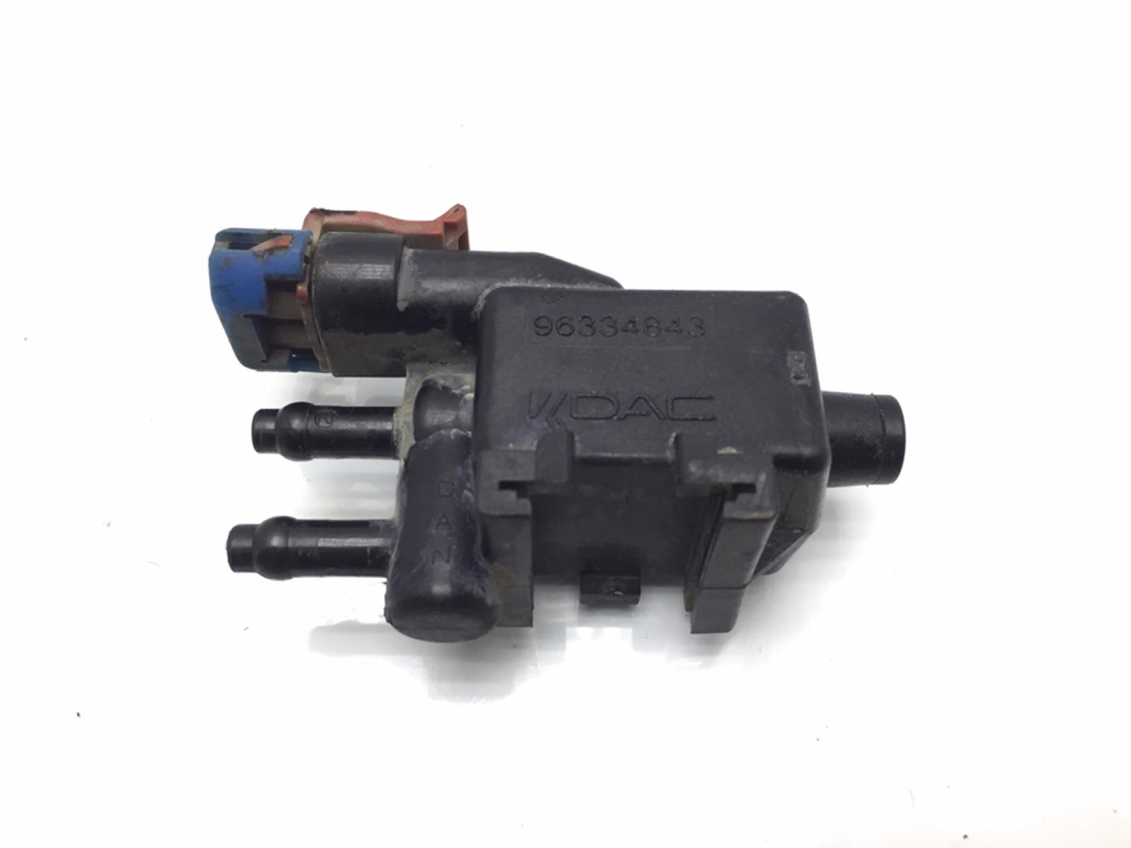 Клапан вентиляции топливного бака Daewoo Kalos 1.4 I 2003 (б/у)