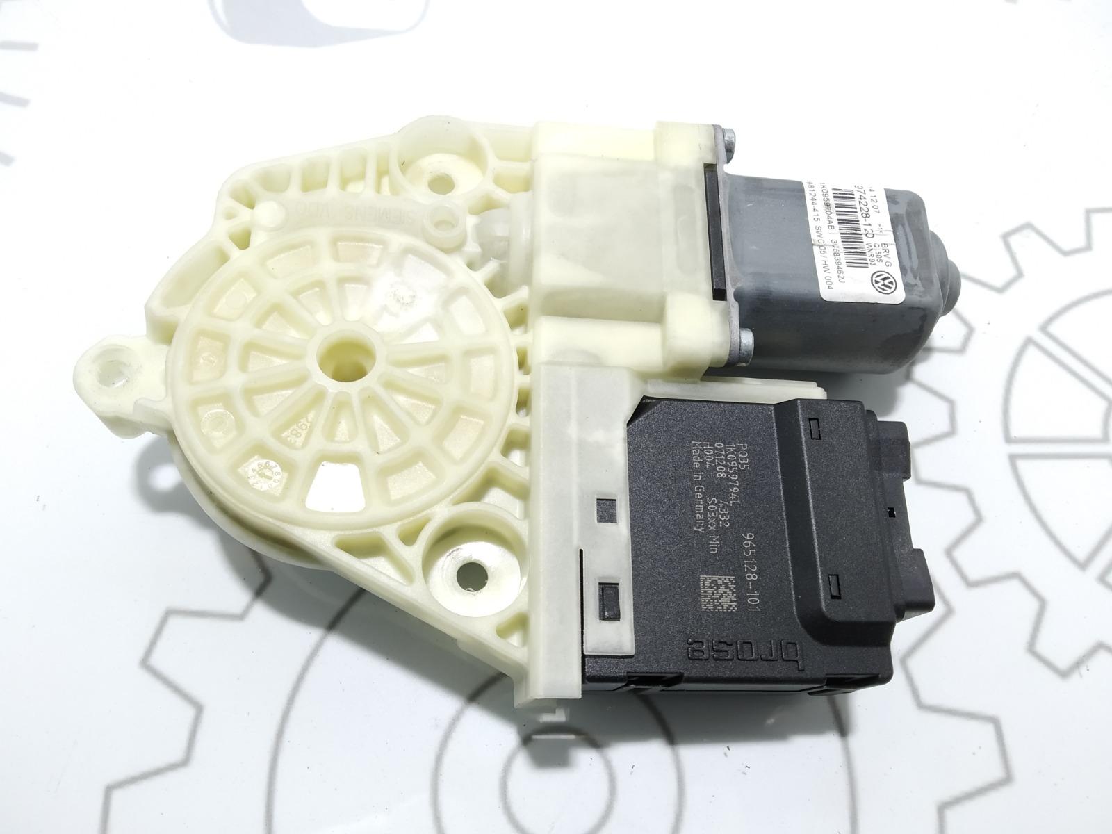Моторчик стеклоподъемника задний правый Volkswagen Passat B6 1.9 TDI 2007 (б/у)