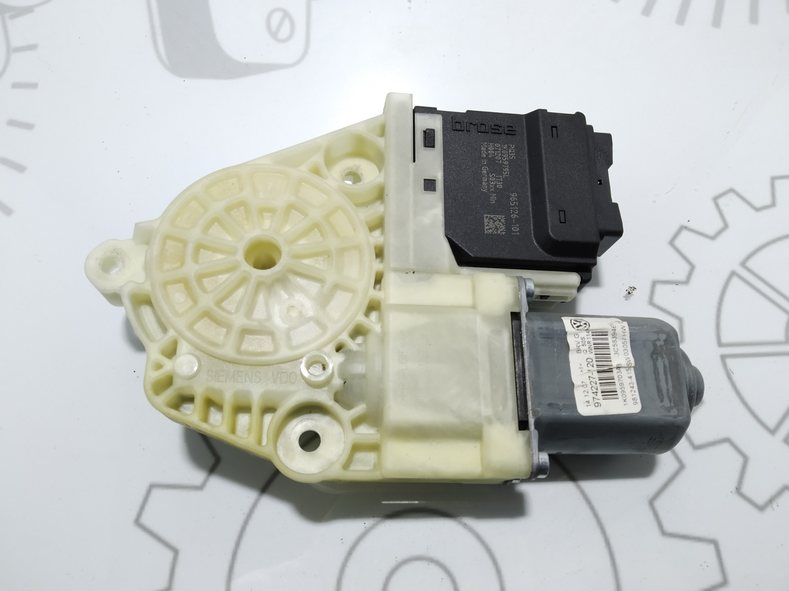 Моторчик стеклоподъемника задний левый Volkswagen Passat B6 1.9 TDI 2007 (б/у)