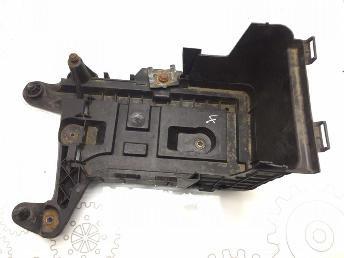 Полка аккумулятора Volkswagen Passat B6 2.0 TDI 2006 (б/у)