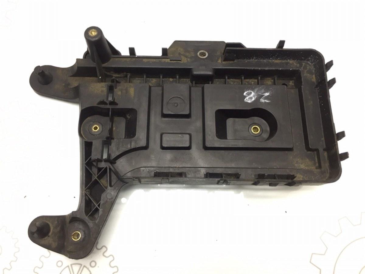 Полка аккумулятора Volkswagen Passat B6 1.9 TDI 2007 (б/у)